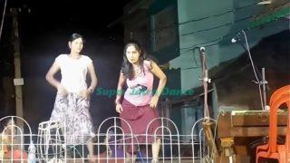 দেখুন রাতের বেলা যাত্রা রঙ্গমঞ্চে কি রকম নাচ হয় !! Super Jatra recording dance !! Bangla Village ja – YouTube.MP4